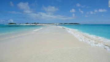 Pantai Cayo de Agua, di Venezuela menduduki posisi ke-5
