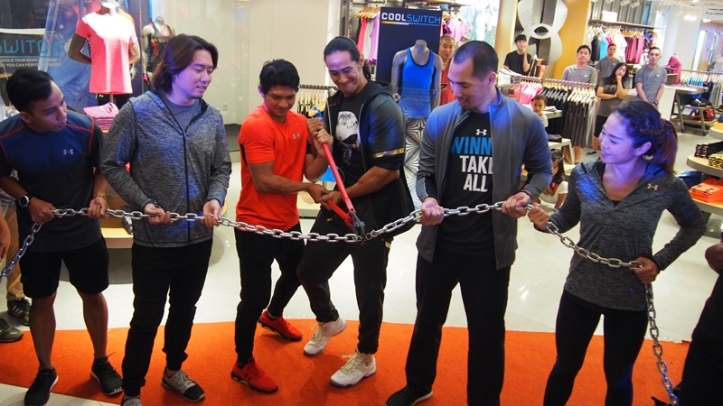 Pembukaan Under Armour Jakarta. Kiri ke kanan: Tony Hanggoro (pelari ultra maraton), Adrian Chai (Co-Founder & Chief Marketing Officer of Triple Pte Ltd), Iko Uwais (artis bela diri), Ade Rai (body builder),  Robin Liem, (Masari Group Director), Jennifer Mulianto (atlet & pelatih crossfit)