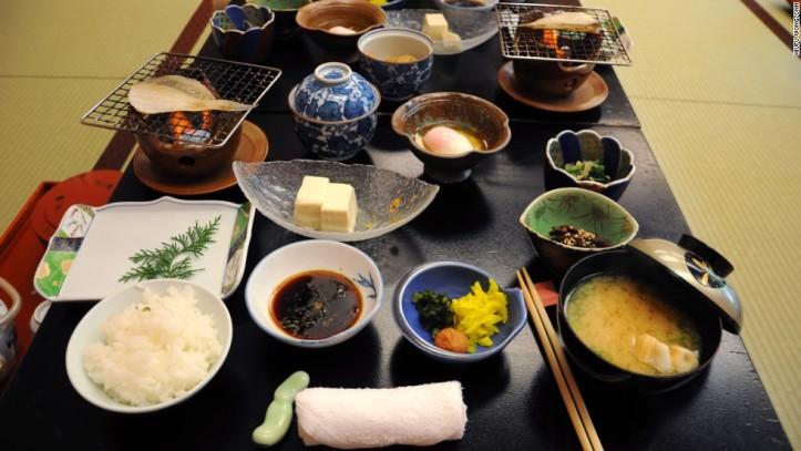 Hidangan vegetarian selama menginap di kuil - Foto: cnn.com