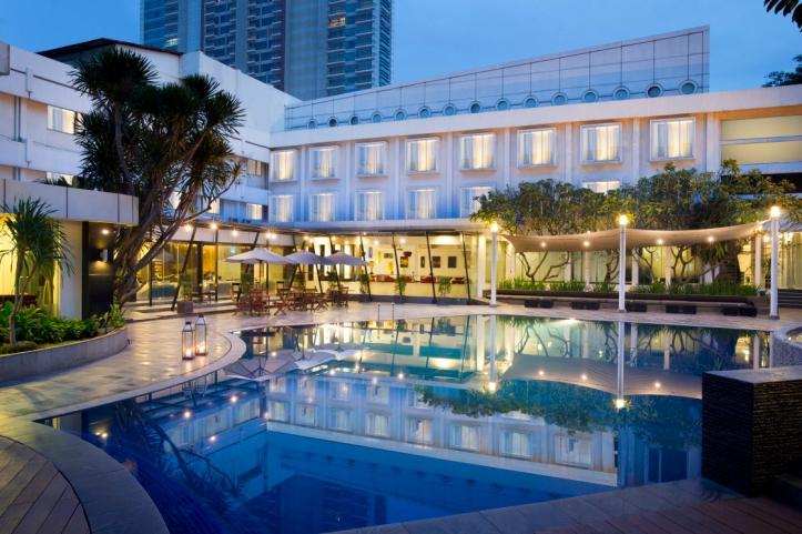 gk-poolside