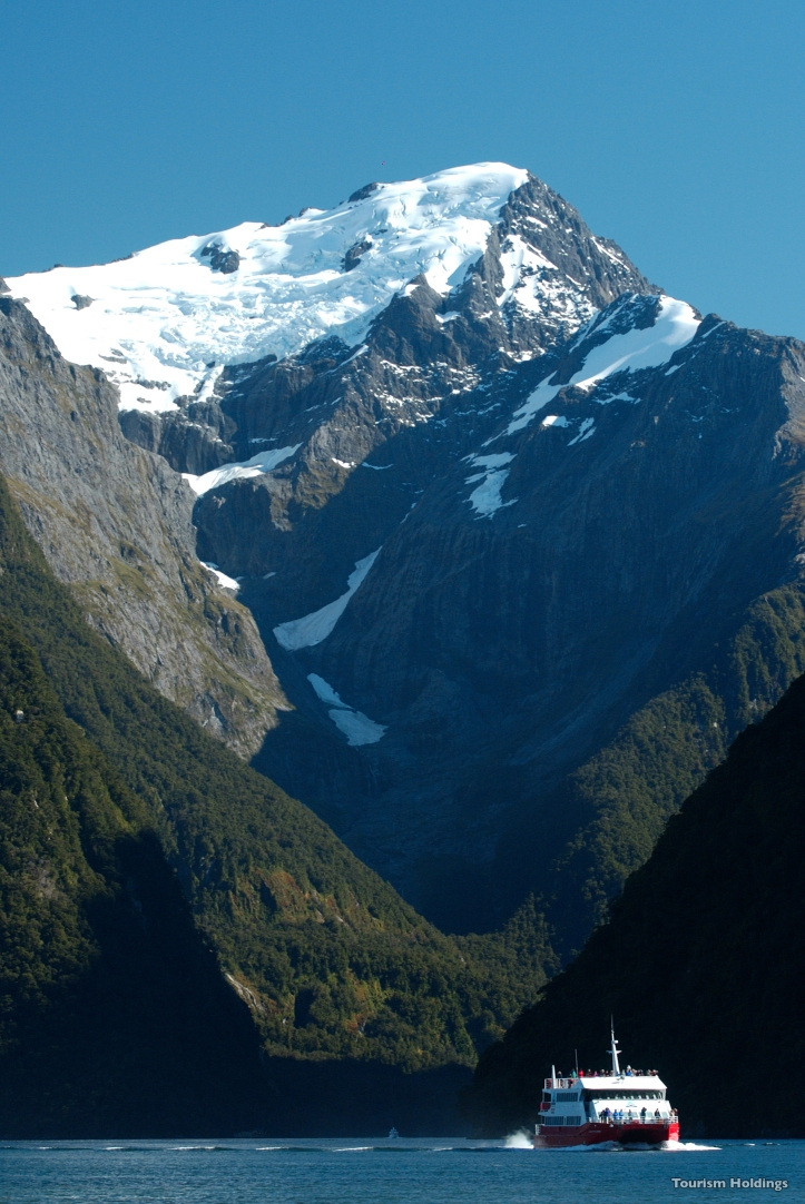 l365-milford-sound-fiordland-tourism-holdings-1